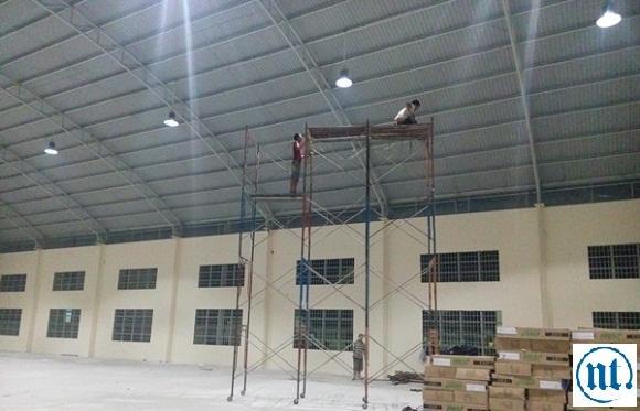 Thi công hệ thống điện chiếu sáng cho xí nghiệp