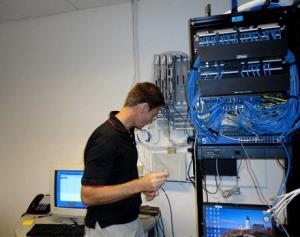 Thi công lắp đặt mạng lan tại hà nội nhanh rẻ uy tín
